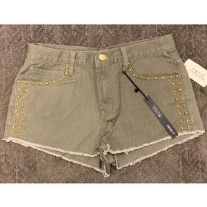 NWT High Rise Riveted Shorts